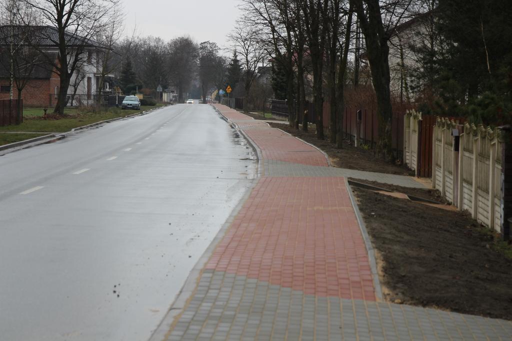 Zakończyła się budowa chodnika w Łochyńsku.jpeg
