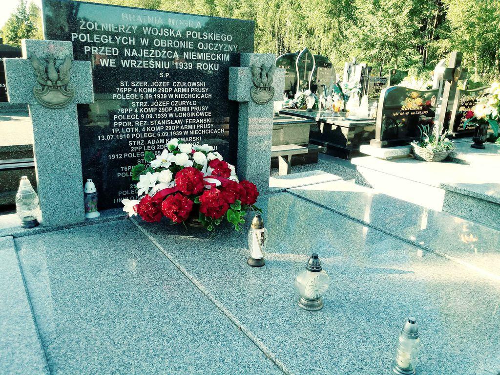 grób 2.jpeg