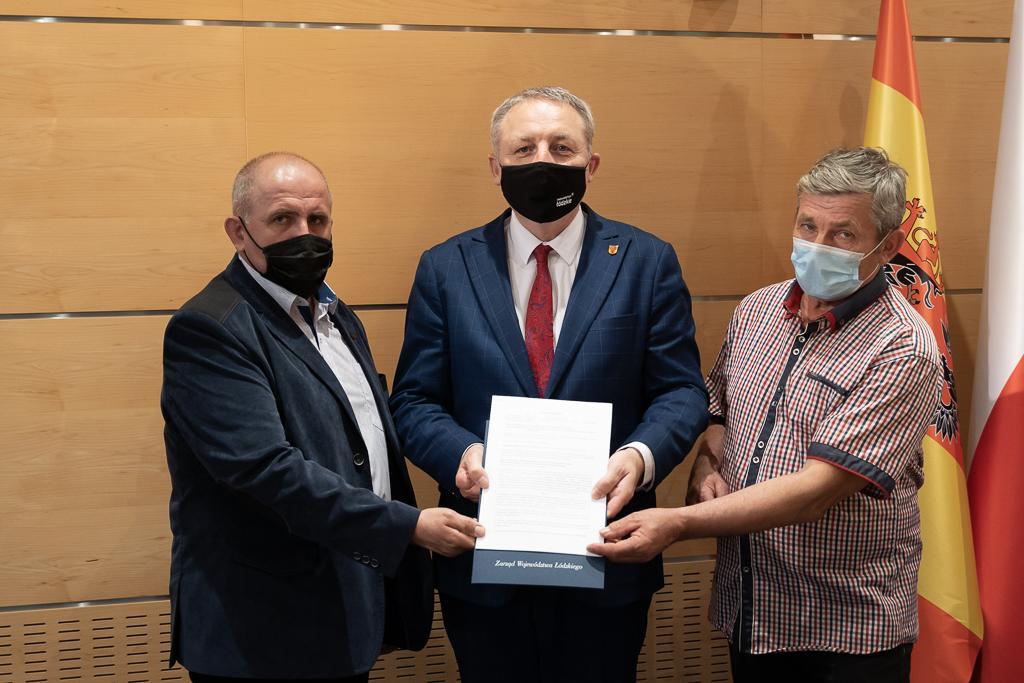 Podpisanie umowy Gminna Spółka Wodna w Rozprzy
