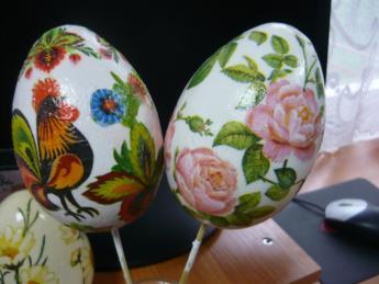 """Galeria """"Ozdoba jajek wielkanocnych metodą dekupage"""" w Bibliotece w Niechcicach"""