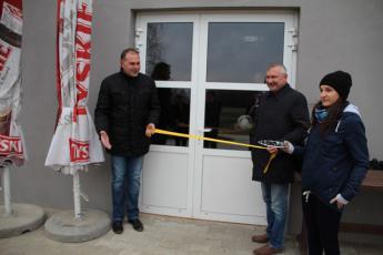 Galeria Czarni Rozprza przywitali gości Polonia Gorzędów w nowym Gminnym Klubie Sportowym w Rozprzy.