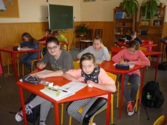 Galeria Olimpiada Wiedzy o Janie Pawle II w Szkole Podstawowej w Rozprzy