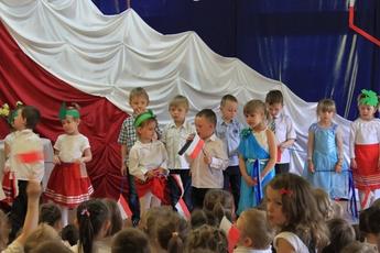 Galeria dzień flagi 2015 pzedszkole w Rozprzy