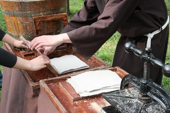 Galeria Czerpanie papieru - Milejów