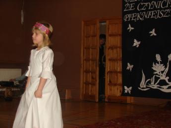 """Galeria """"Dzień kobiet"""" w Szkole Podstawowej w Rozprzy"""