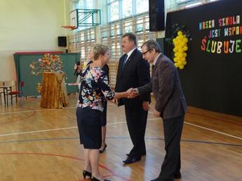 Galeria pasowanie na pierwszoklasistę i dzień nauczyciela Milejów 2016