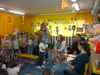 Galeria Przedszkolaki z Niechcic spotkałały się z Policjantem