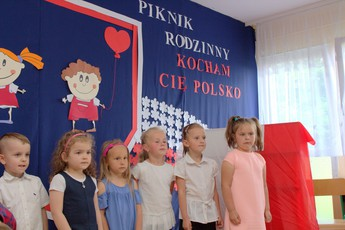 Galeria Kształtowanie postaw patriotycznych w czasie festynu rodzinnego