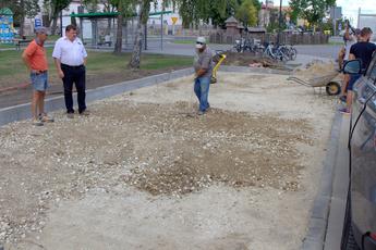 Galeria Nowe miejsca parkingowe z centrum Rozprzy