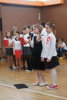 Galeria Uczniowie Szkoły Podstawowej w Rozprzy świętowali Dzień Niepodległości