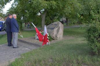 Galeria składanie wieńców pod pomnikami
