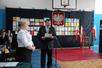 Galeria Ślubowanie pierwszoklasistów i Dzień Edukacji Narodowej w ZSG w Niechcicach