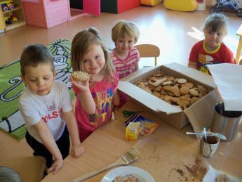 Galeria Pieczenie pierniczków w przedszkolu w Rozprzy