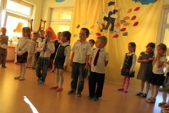 """Galeria Uroczyste przedstawienie """"Jestem listonoszem"""" w Przedszkolu w Rozprzy"""