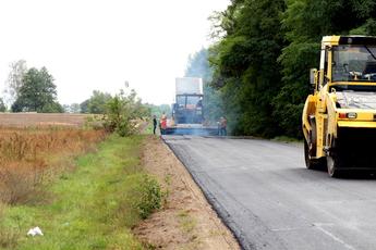 Ponad 2 miliony 700 tysięcy złotych dofinansowania na budowę dróg w Gminie Rozprza.jpeg
