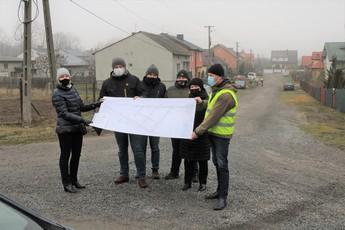 Galeria Przekazanie placu budowy - drogi osiedlowe w Niechcicach