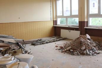 Galeria Wakacyjny remont Szkoły Podstawowej w Rozprzy.
